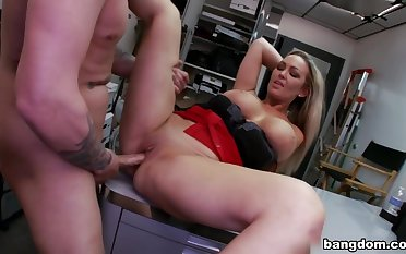 Sexy Big Tit Blonde Fucks Rocker Dude in...